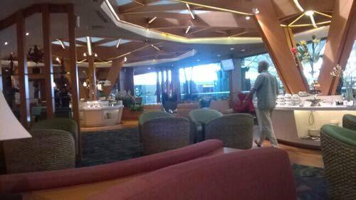 バリ国際空港のラウンジ