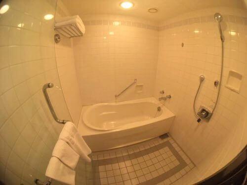 ホテル日航熊本のお風呂、シャワールーム
