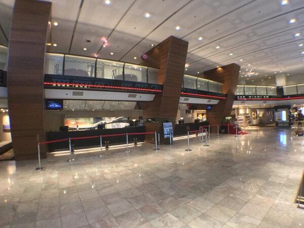 ホテル日航成田のフロント