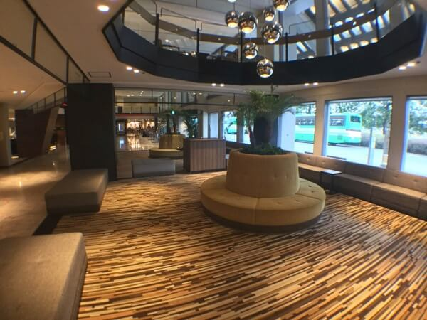 ホテル日航成田のフロントにあった待合スペース