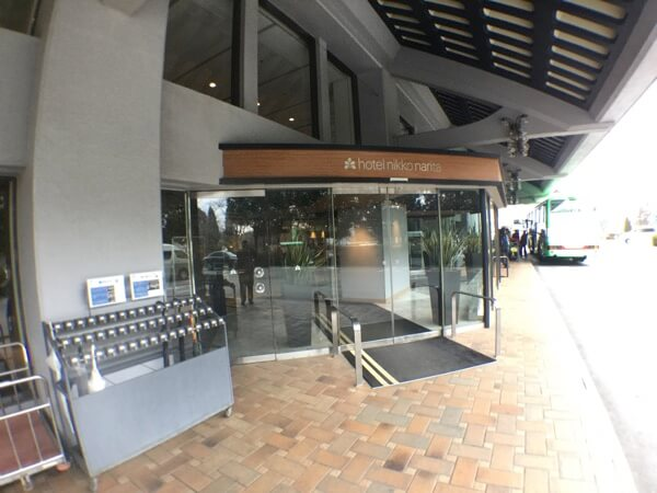 ホテル日航成田の入口