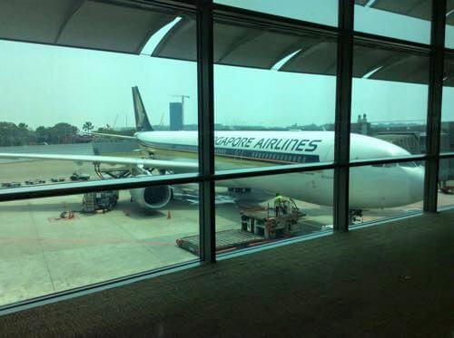 シンガポールから関西空港のシンガポール航空機