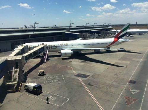 南アフリカ航空ラウンジから見えたエミレーツ航空