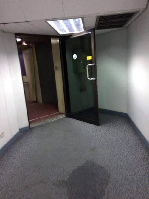 ドンムアン空港の空港ビルの雨漏り