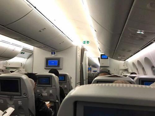 JAL羽田-バンコク便の機内