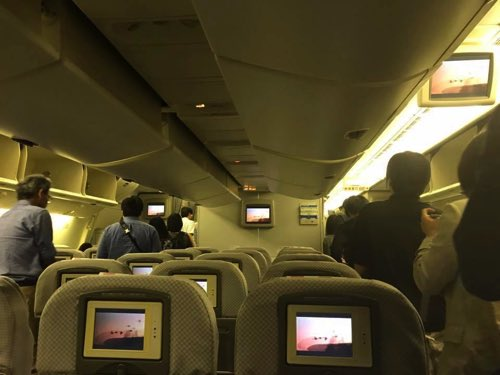 JALバンコク-羽田便の到着時の機内の様子