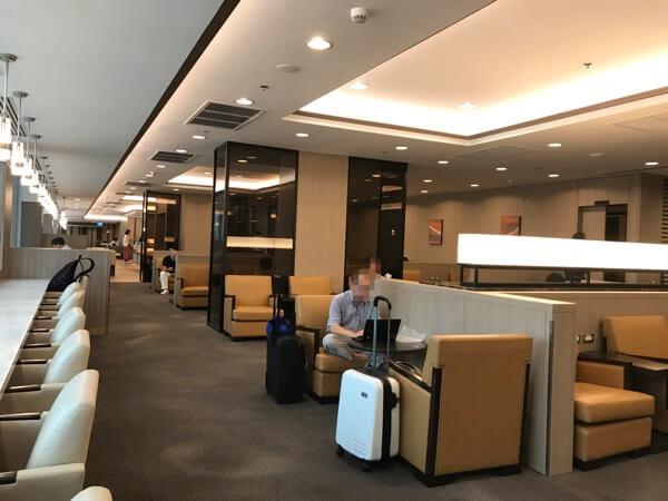 スワンナプーム国際空港のサクララウンジの様子