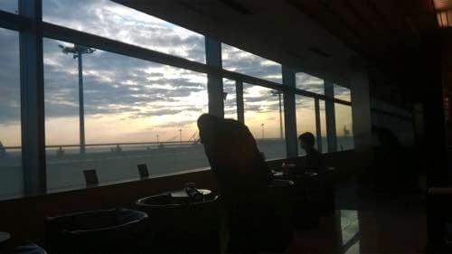 羽田空港国内線ANAラウンジの窓