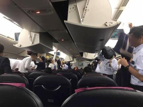 伊丹空港に到着したJAL139便
