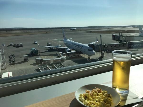 新千歳空港国内線サクララウンジから見える景色