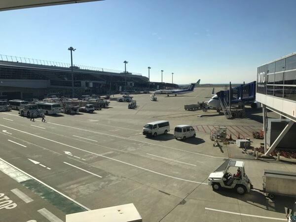 中部国際空港に到着したJAL