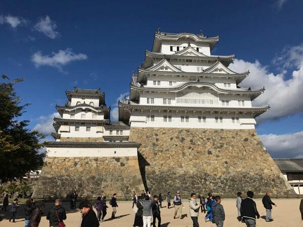 姫路城の備前丸から見た大天守