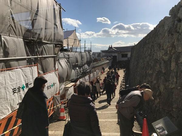 姫路城の「備前門」と「りの門」の間の経路