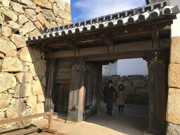 姫路城の「りの門」