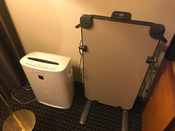 ホテル日航奈良に備えられている空気清浄機、ズボンプレッサー