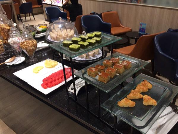スワンナプーム国際空港キングパワーラウンジの食事