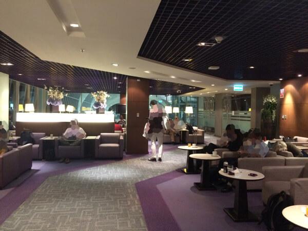 スワンナプーム国際空港のタイ国際航空ロイヤルシルクラウンジの様子