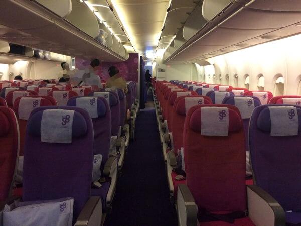 タイ国際航空A380の1階エコノミー