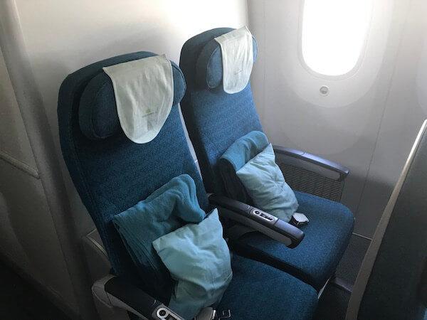 ベトナム航空ホーチミン行きB787の最後尾座席