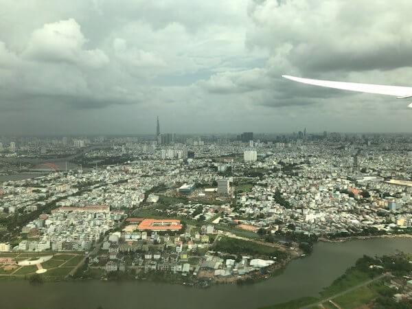 飛行機からのホーチミンの景色