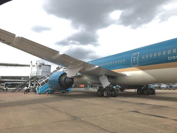 ベトナム航空のB787@タンソンニャット国際空港