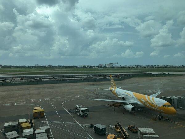 ロータスラウンジ@タンソンニャット国際空港から見える駐機場